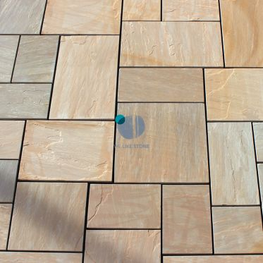 Autumn_Brown_Riven_Sandstone_Paving_slabs_and_patio_pack