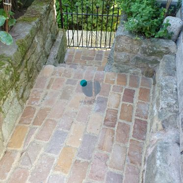 Golden Brown Tumbled Sandstone Paving Cobble Setts